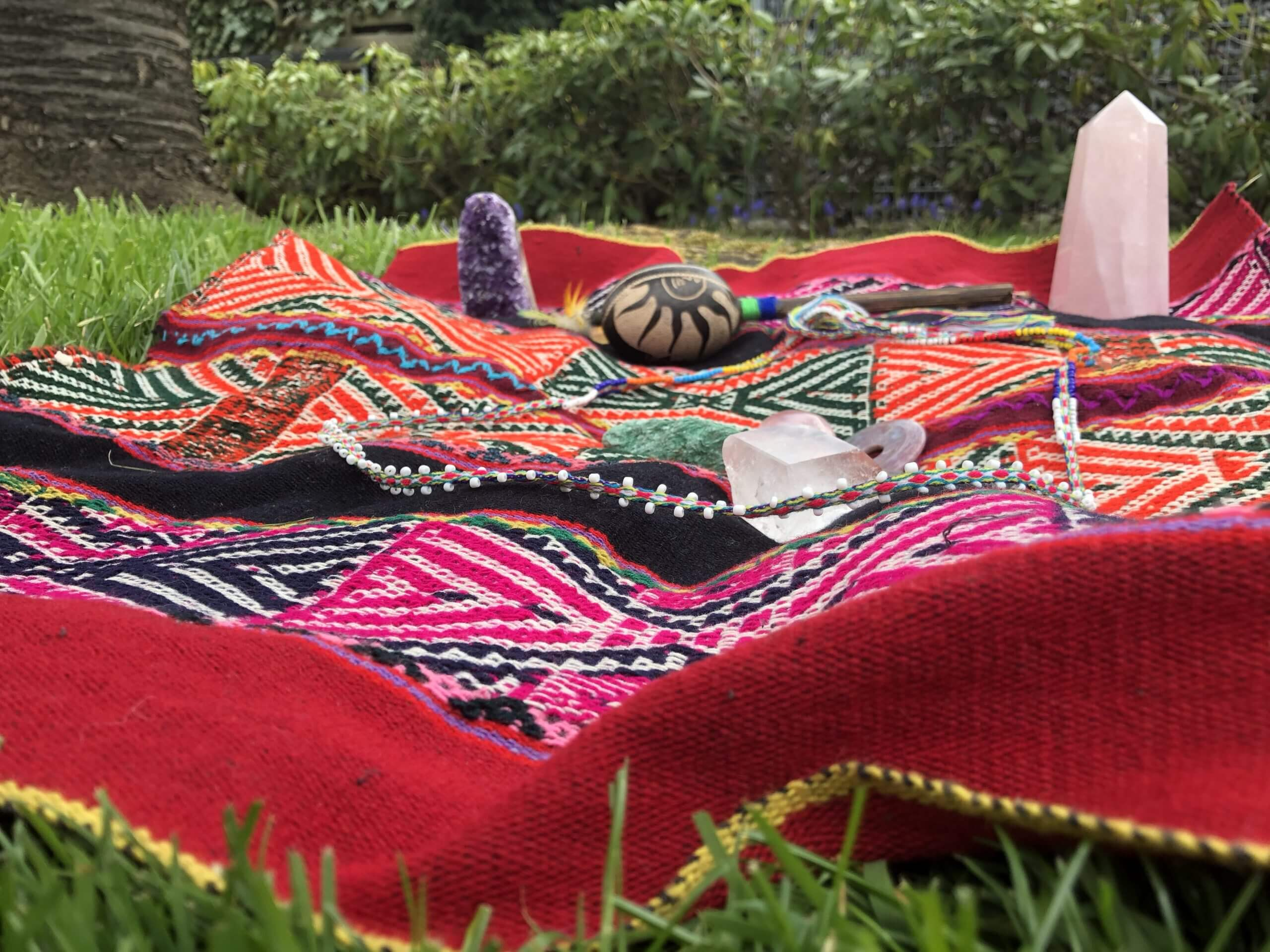 Decke im Garten für den Schamanismus und Energiearbeit